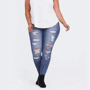 TORRID Bombshell Skinny Distressed Jeans